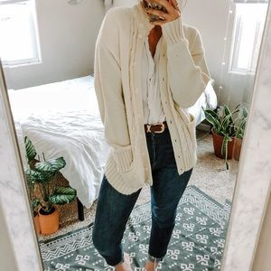 VINTAGE•chunky cable knit oversized cream cardigan